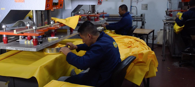 protecziona-fabrica-de-impermeables-en-quito-ecuador